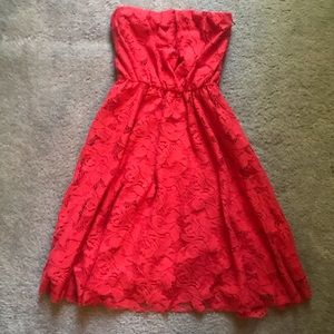 Dresses & Skirts - Red Strapless Lacey Summer Dress